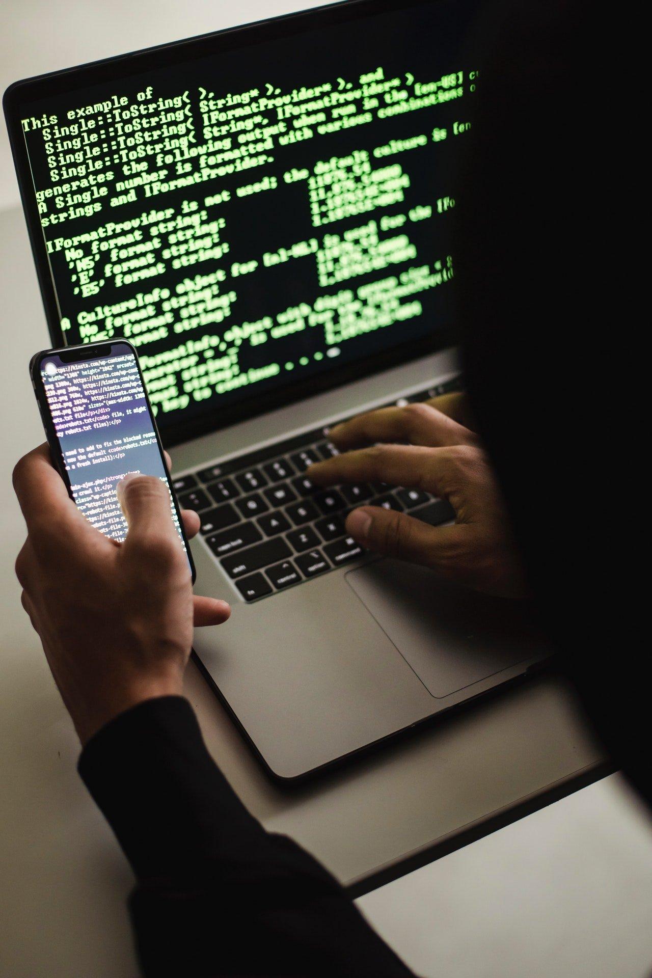 Lær deg det grunnleggende for å sikre PC-en og kontoene dine på nett